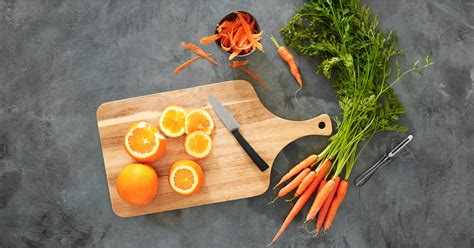 [pdf] High Carbohydrate Diets - Nutrition Australia.