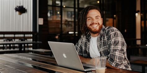 How To Become A Copywriter (with No Experience).