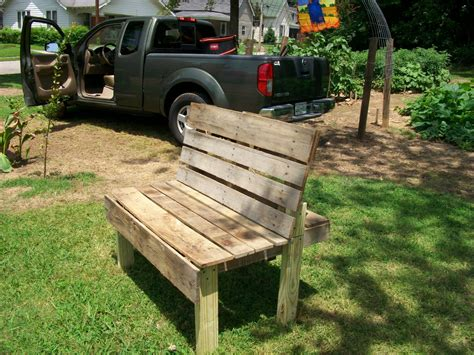How To Build A Bench From Pallets
