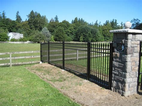 How To Install Fence Panels On A Slope