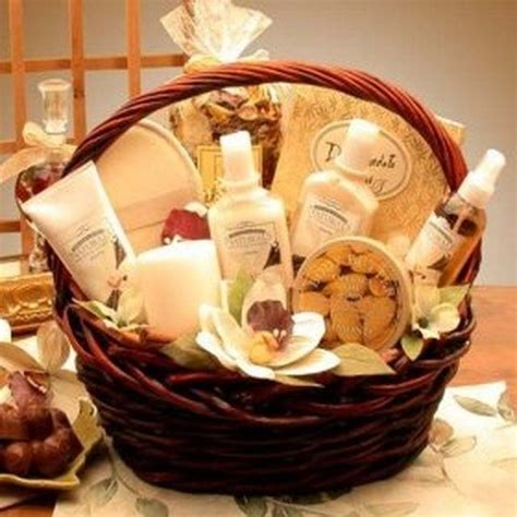 How To Make A Spa Themed Gift Basket Ehow Basket Ideas Gift.