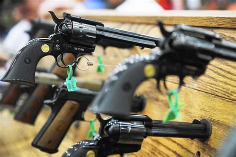 Illinois Gun Laws, And A Troubling Loophole - Chicago Tribune.