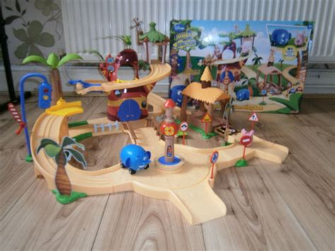 [click]jungle Junction Playset.