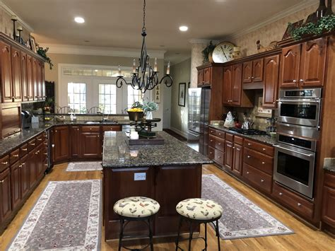 Kitchen Paint Ideas With Cherry Cabinets