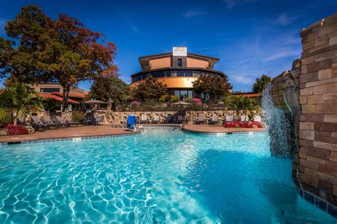 Lake Ozark Hotel