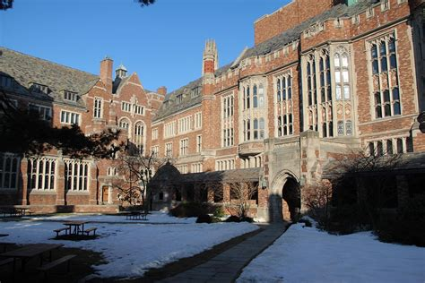 [pdf] Lawyers In Business - Yale Law School.