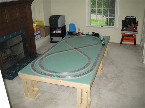 @ Lionel - Building A Train Table.