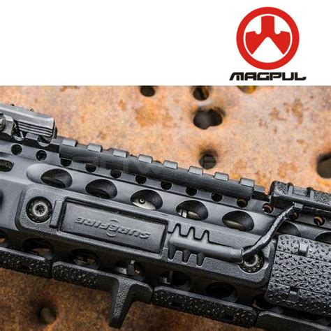 Magpul M-Lok Tape Switch Mounting Plate - Surefire St .