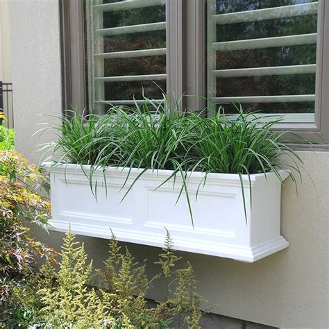 Mayne Fairfield 5822w Window Box Planter 3-Foot White.