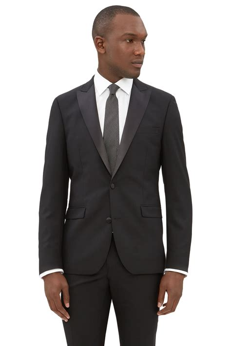 Men Two Button Peak Lapel Suit Winning