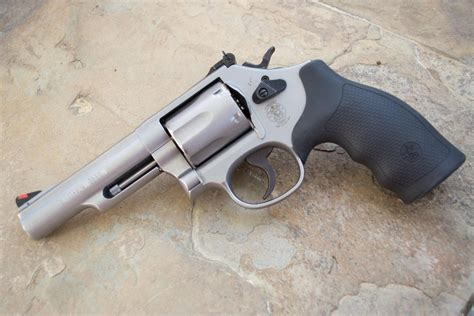 Model 66 Smith Wesson.