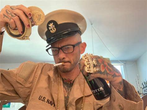 Navy R