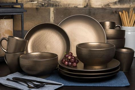 New Bargains On Teton 16-Piece Dinnerware Set Rubbed Gold.