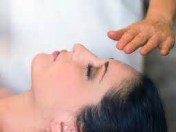 Reiki: What Is It And Are There Benefits? - Medical News Today.
