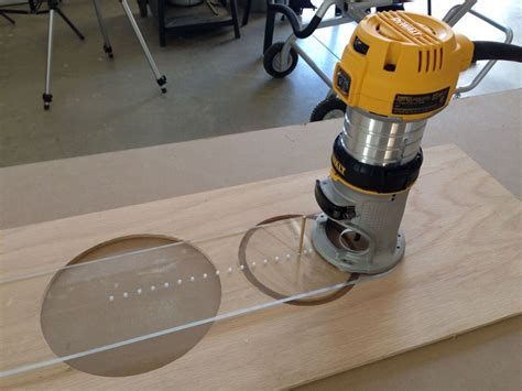 Router Hole Cutting Jig