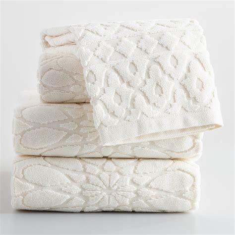 Sculpted Towels