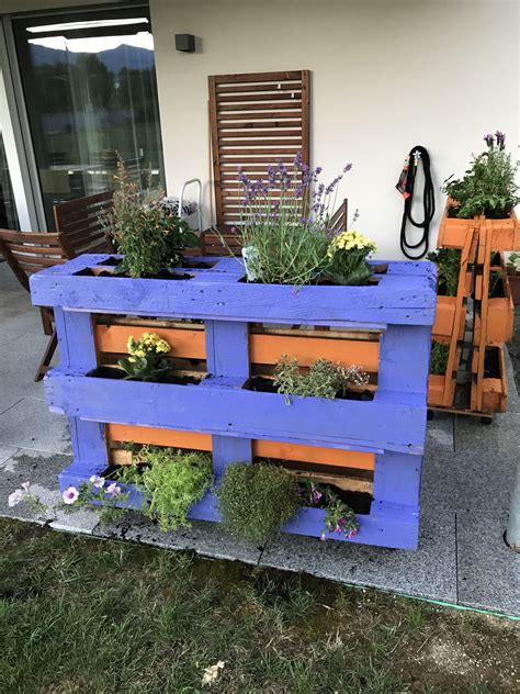 Uses For Wooden Pallets In Garden