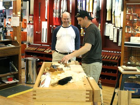 [pdf] Woodworkers Woodworkers News Association.