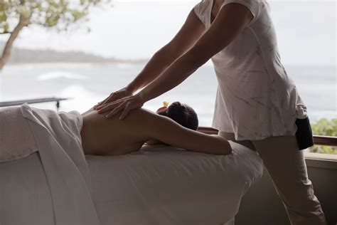 @ What Happens During A Couples Massage - Tripsavvy.