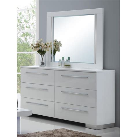 White Dressers With Mirror