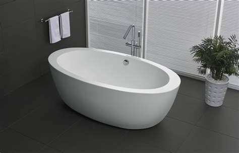 Yield Series 5 58 Ft Freestanding Bathtub In White.