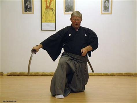 active kneeling hip flexor stretch samurai sudoku