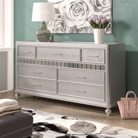 Adhafera 7 Drawer Dresser
