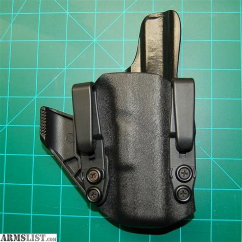 Glock-19 Aiwb Wing Claw 2.5 Glock 19 23 Review.