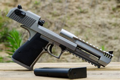 Desert-Eagle All About The Desert Eagle.