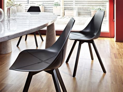 Alma Design X Chair