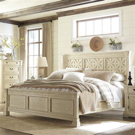 Alsace Traditional Panel Bed byLark Manor