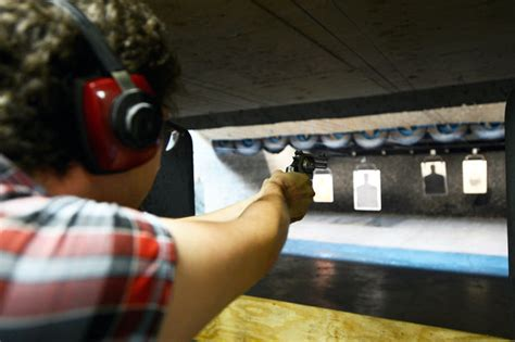 Gun-Store-Question Are There Any Gun Stores In Chicago.