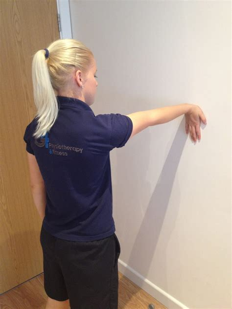 arm stretching exercises pictures