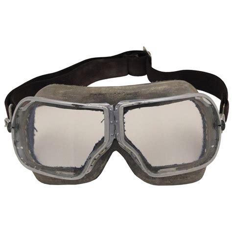 Army-Surplus Army Surplus Aviator Goggles.