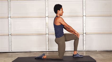 assisted kneeling hip flexor stretch youtube sciatica pain