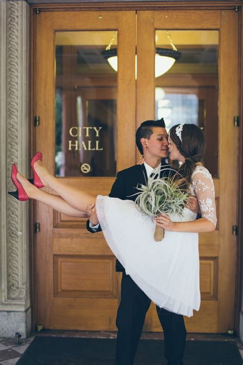 Read Books At Weddings and Wakes Online