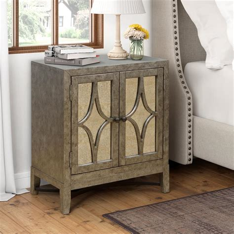Avery Accent Chest