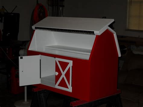 Barn Toy Box Plans