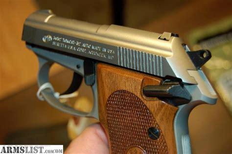 Beretta Beretta 3032 Tomcat Inox Grip.