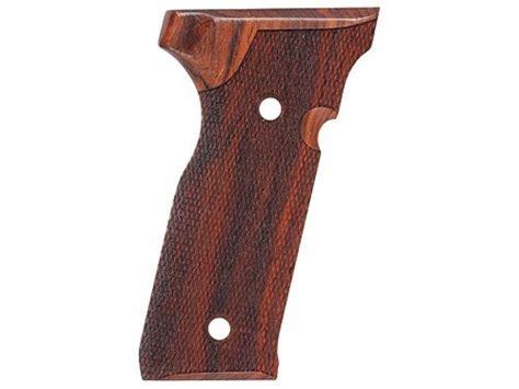 Beretta Beretta 8045 Cougar Grips.