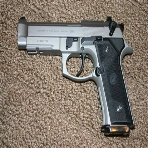 Beretta Beretta 92fs Vs 92 Vertec.