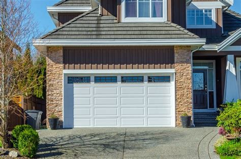 Best Garage Door Design For Traditional Home