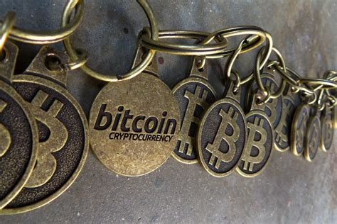 Bitcoin Replace Credit Card Bitcoin Is Useless Hernaes