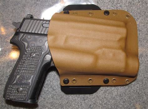 Main-Keyword Black Rhino Holsters.