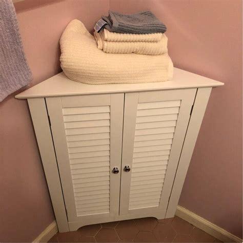 Bolanos 25.5 W x 31.25 H Corner Cabinet