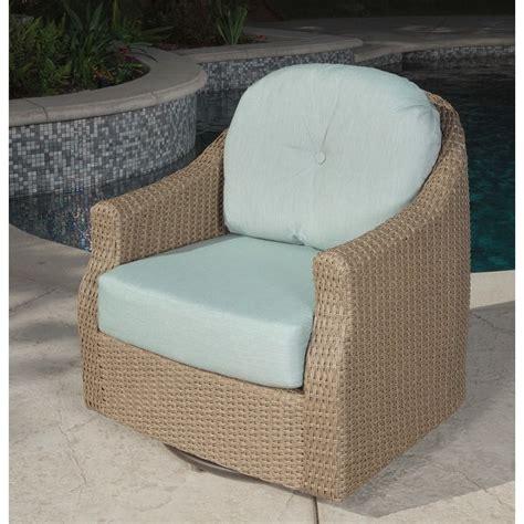 Braylen Swivel Lounge Chair