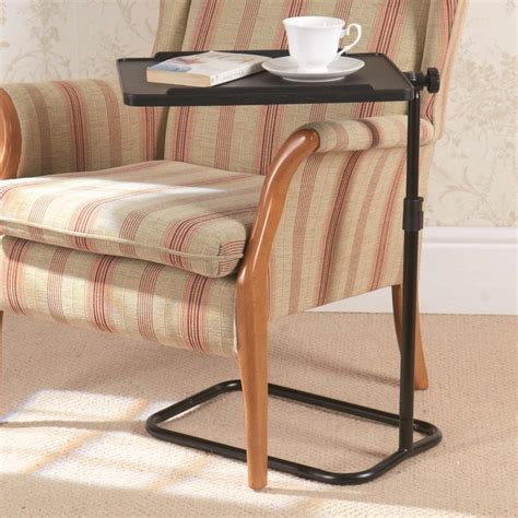 Brownsburg Swivel End Table