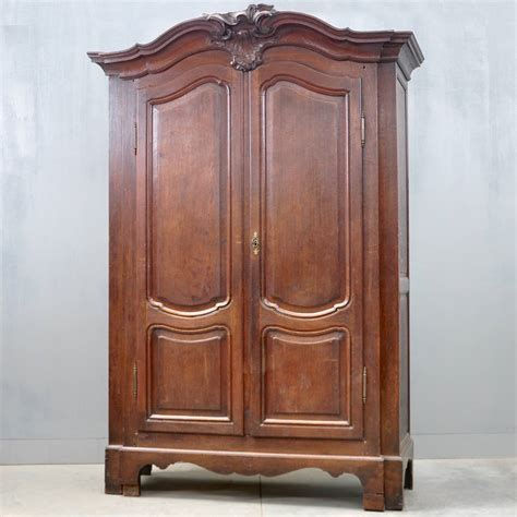 Brussels Armoire