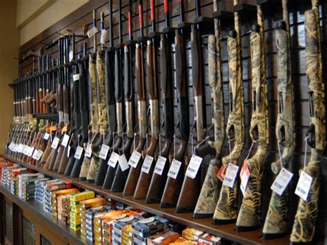 Buds-Guns Buds Gun Shop Wi.