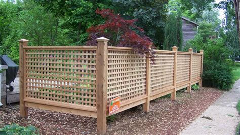 Building A Screen Fence